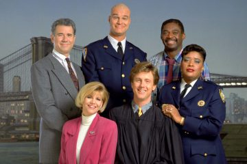 John Larroquette, Markie Post, Richard Moll, Harry Anderson, Charles Robinson, and Marsha Warfield as the cast of Night Court