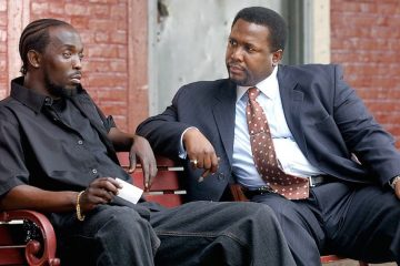 Michael K Williams as Omar and Wendell Pierce as Bunk in The Wire